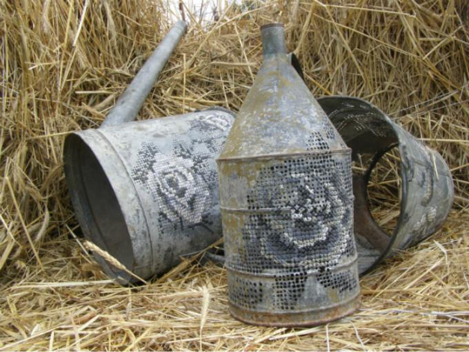 疯狂的十字绣:开在金属物件上的花
