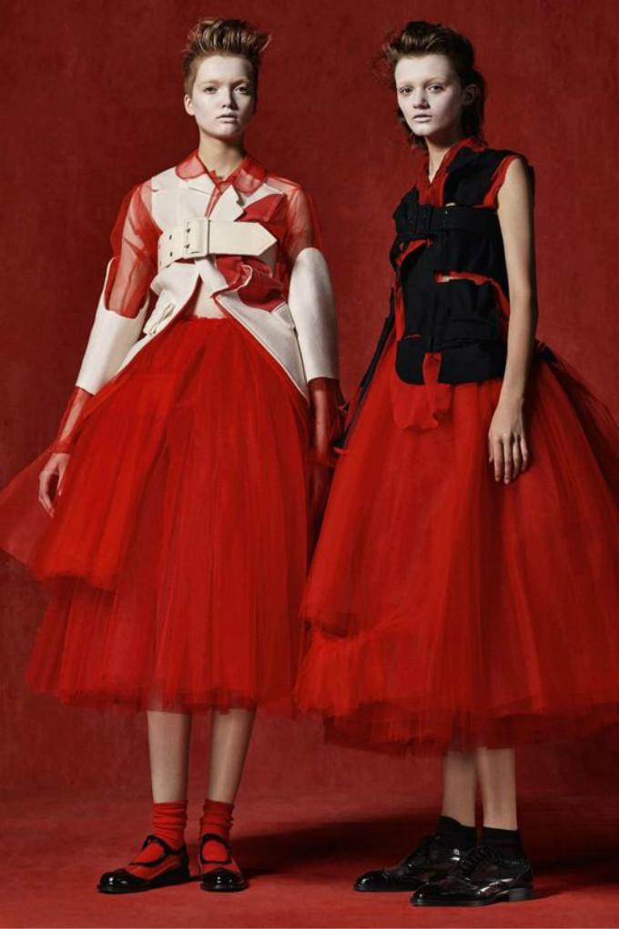 她是一位风格另类的时装设计大师, 在20世纪的服装设计史上占有重要