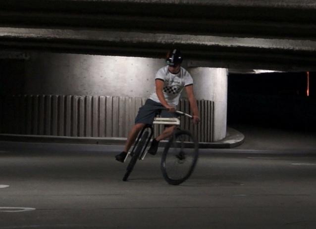 无链条双转向,能横着骑的自行车