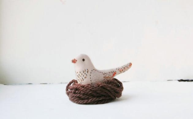 这些可爱的小动物大部分都是用亚麻布缝制而成.